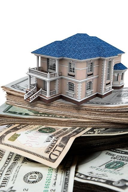 40 Head Over Heart: 3 Things to Consider When Buying A House